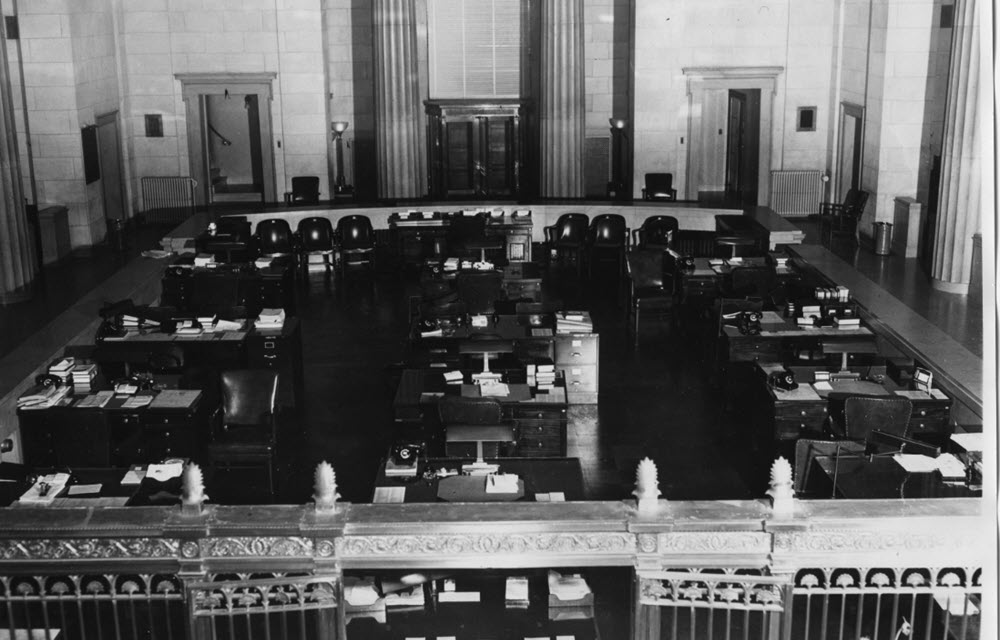 old photo inside an old Richmond Federal Reserve office
